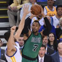 Celtics halt Warriors' record 54-game home winning streak