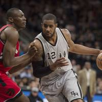 Spurs get franchise-record 64th win
