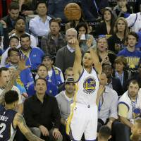 Warriors set NBA wins mark