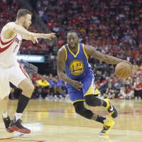 Warriors rout Rockets, lose Curry in Game 4
