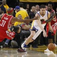 Warriors triumph in Game 2 with Curry out hurt