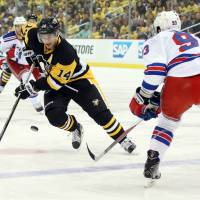 Penguins beat Rangers, win series