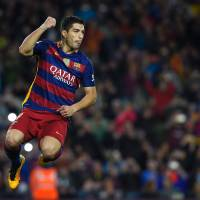 Suarez nets four as Barca cruises