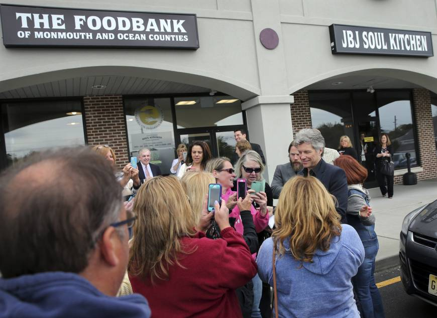 Bon Jovi opens center to feed hungry in Superstorm Sandy-hit ...