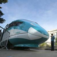 Private cash is answer to U.S. bullet train plan