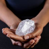 Tennis ball-sized diamond could fetch $70 million at auction