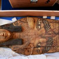Israel returns to Egypt smuggled sarcophagus lids