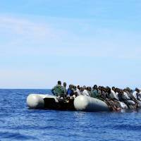 Italy coast guard rescues nearly 900 Syrians, Iraqis who sailed from Egypt