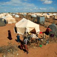 Kenya looks to close mass refugee camps, send scared Somalis packing