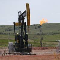 U.S. sets rules to cut methane emissions from oil and gas wells