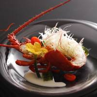 New restaurant opens in Ise-Shima; Ritz-Carlton offers mango buffet; New Japanese suite Sakura opens