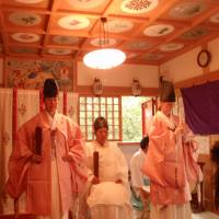 Foreign priests find a spiritual home in Shinto