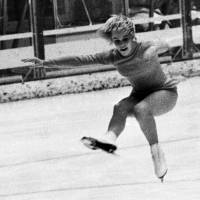 Urban myth: In fact, U.S. skater Janet Lynn did not make the V sign at the end of her bottom-bruising performance at the 1972 Winter Olympics in Sapporo, nor when she received the bronze medal. | KYODO