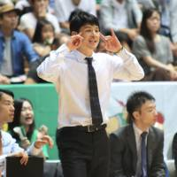 Toyota head coach Takuma Ito, seen in a file photo from a recent NBL game, has guided the Alvark to the league's top seed for the playoffs. | KAZ NAGATSUKA