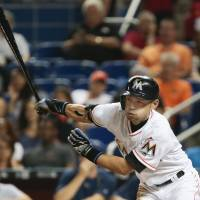 Ichiro turns back clock to lift Marlins