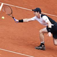 Murray ousts Simon in Madrid