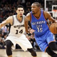 Thunder even series with Spurs despite Aldridge's 41