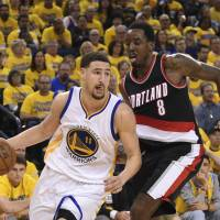 Warriors rally past Blazers in fourth