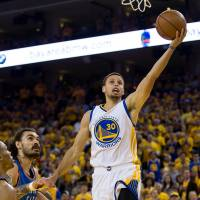 Warriors overcome Thunder to stave off elimination