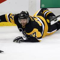 Hornqvist lifts Penguins to OT triumph over Capitals