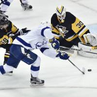 Penguins rebound with overtime victory over Lightning