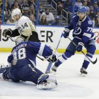 Penguins sink Lightning in Game 3
