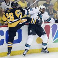 Penguins edge Sharks in Game 1 of Stanley Cup Final