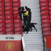 Fake bomb forces Old Trafford evacuation