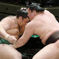 Hakuho still unbeaten at Summer Grand Sumo Tournament