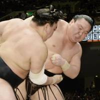 Legend Hakuho captures 37th Emperor's Cup