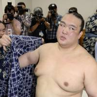 Consistent Kisenosato needs title to secure promotion to yokozuna