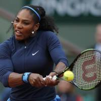 Serena cruises as top competitors stumble at French Open