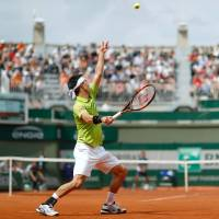 Nishikori beats Verdasco in thriller