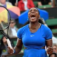Serena edges Mladenovic in third round