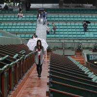 French Open play washed out for first time in 16 years