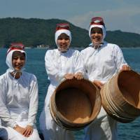 Mie Prefecture is home to the largest number of ama female divers in Japan. There is a movement to register ama fishing on the UNESCO Intangible Cultural Heritage list. | MIE PREFECTURE