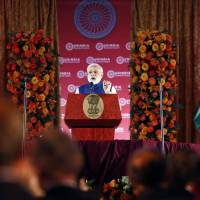 Obama, Modi praise prep work on six-reactor deal in India