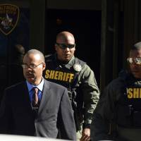 Police driver gave Freddie Gray a 'rough ride' that killed him, Baltimore prosecutor claims