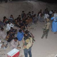 7,000 Iraqis flee Fallujah via safe corridor with over 500 Islamic State fighters trying to hide among them