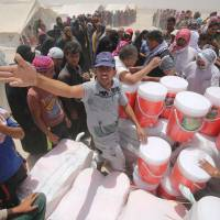 Fallujah refugees slam nearby Baghdad over dismal state of desert camps