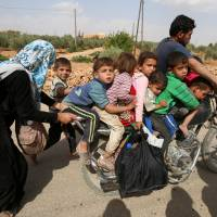 Islamic State retakes Syria villages from U.S.-backed fighters, executes residents