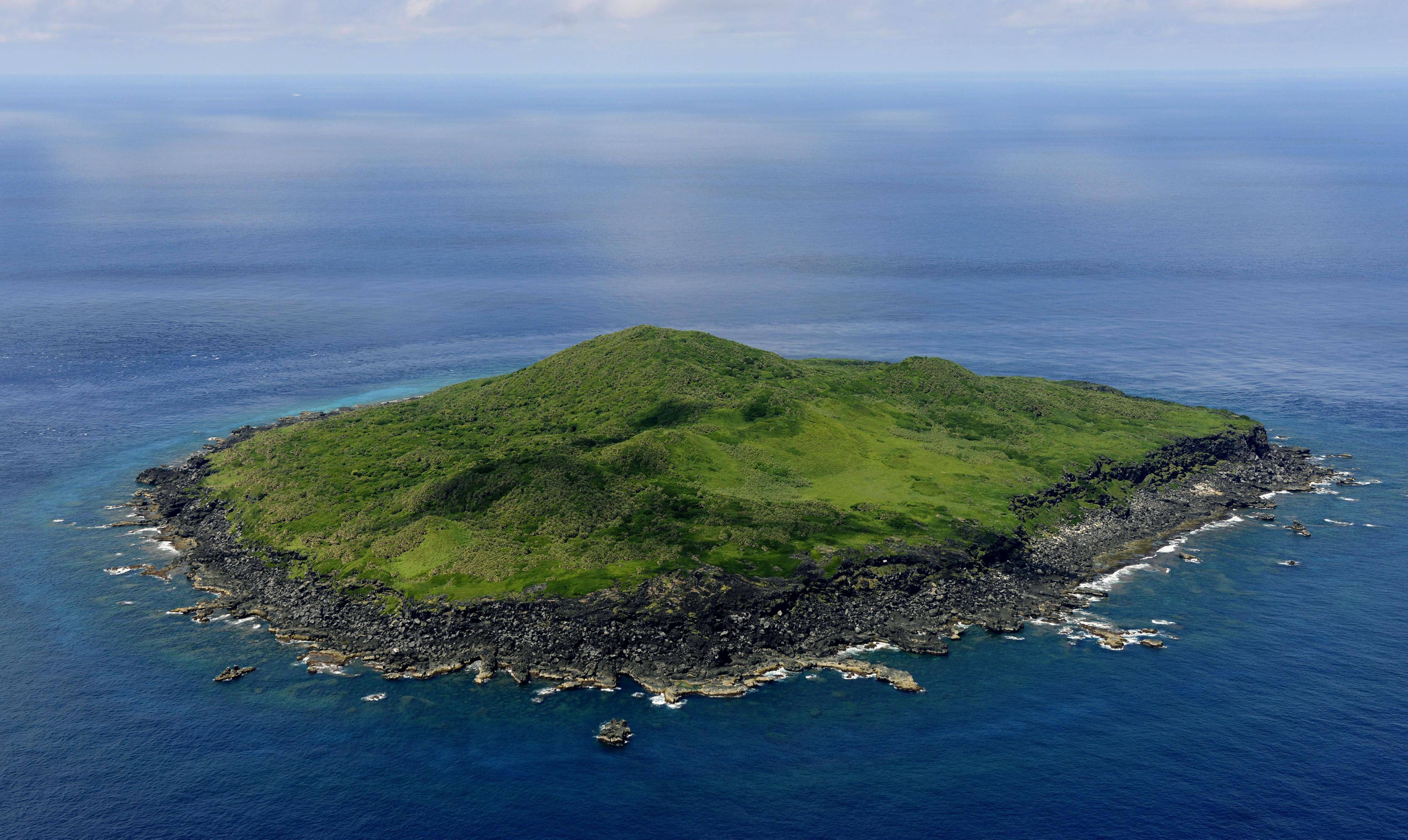 The area near Kubajima (above), part of the Japan-administered Senkaku Islands in the East China Sea, was the scene of an incursion by a Chinese vessel into the contiguous zone surrounding the island on June 9. | KYODO