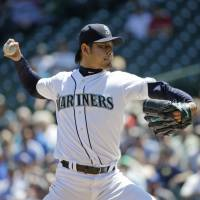 Iwakuma rides run support to win