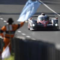 Toyota leads Le Mans into Sunday morning