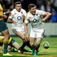 England coach Jones wants clean sweep over Australia