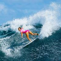 France's Johanne Defay competes in a World Surf League event in Tavarua, Fiji, on May 31.   AFP-JIJI