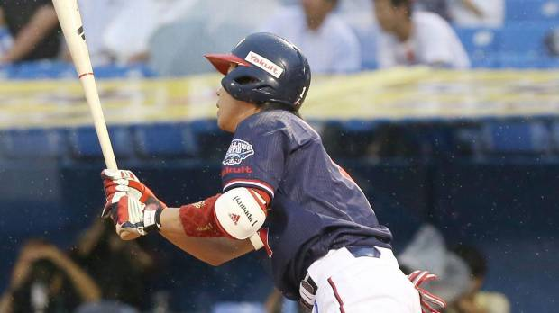 Swallows' Yamada pounces on Dragons in series opener