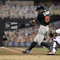 Ichiro moves closer to Rose's 4,256-hit mark