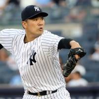 Relief corps preserves victory for Tanaka