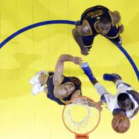 Warriors thrash Cavs to take commanding finals lead